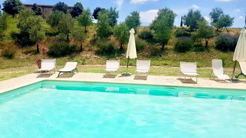 locandavesuna-siena-swimming-pool-b7f226d8-9344-4859-87bb-3c6920981a41